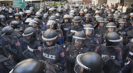 Thai Crisis intensifies in Thailand
