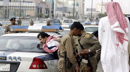 Saudi police 2 Saudis arrest 149 terror suspects