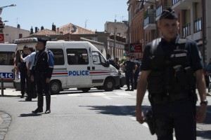 June 20 1288173 300x200 MEDIA ALERT: French Police Capture Armed Man in Toulouse
